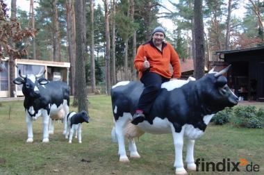 Wer sucht der findet ... z.B. eine Deko Kuh lebensgross