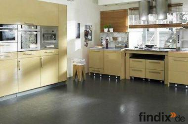 Zertifizierter Kücheneinbau -  professionell, sauber und schnell