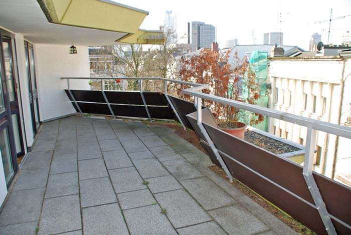 riesige 2 zimmer loft wohnung mit terrasse viel platz f r gro en wohnkomfort 423939. Black Bedroom Furniture Sets. Home Design Ideas