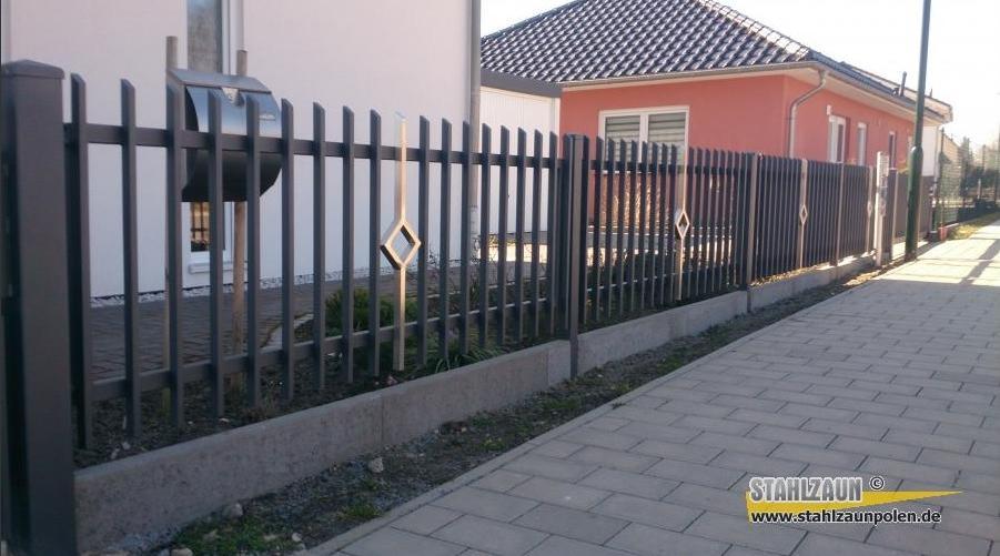 15 winter metallzaun zaun aus polen stahlzaun zaun nach ma 884363. Black Bedroom Furniture Sets. Home Design Ideas