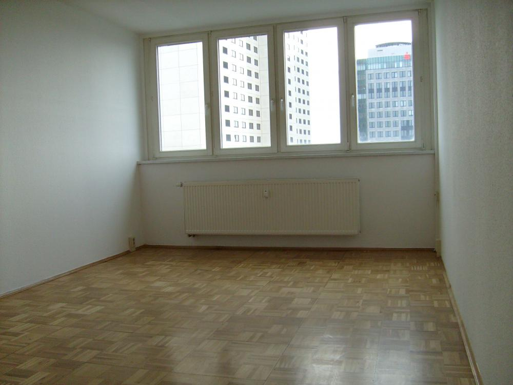 20 Qm Zimmer Einrichten: 2-Zimmer-Wohnung, 50 Qm, Zentrale Lage, Ganz Oben