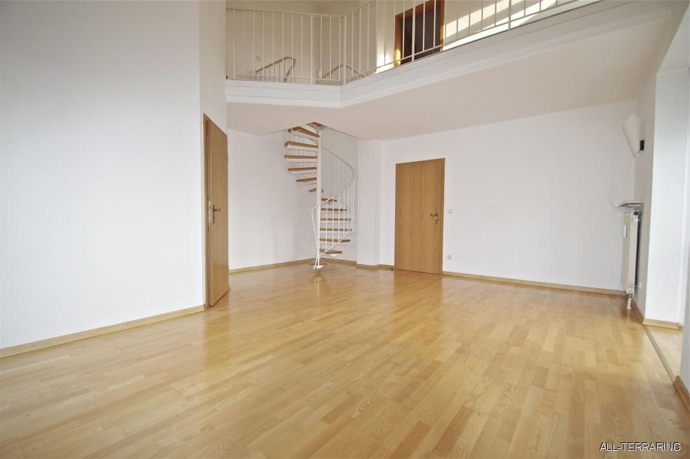 all terraring gem tliche dg maisonette mit s d westbalkon in zentraler lage unterschlei heim. Black Bedroom Furniture Sets. Home Design Ideas