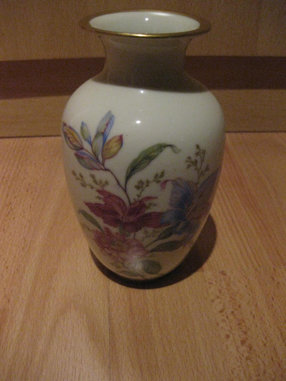 antike bavaria porzellan vase mit goldrand guter zustand 854187. Black Bedroom Furniture Sets. Home Design Ideas