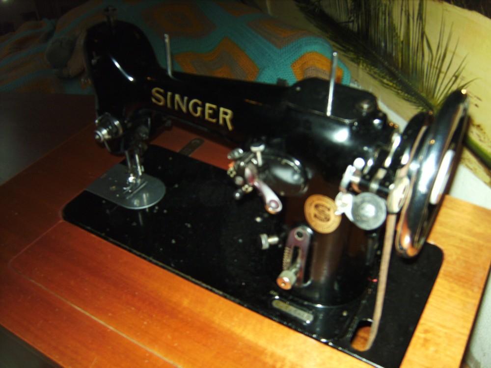 antike singer n hmaschine 885627. Black Bedroom Furniture Sets. Home Design Ideas