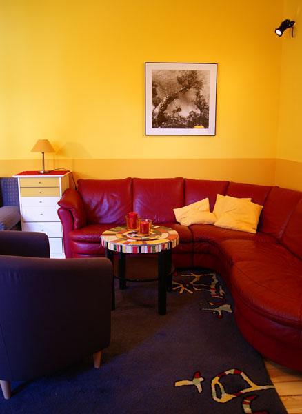 berlin 030 868704702 potsdam 50 ferienwohnungen zentral. Black Bedroom Furniture Sets. Home Design Ideas