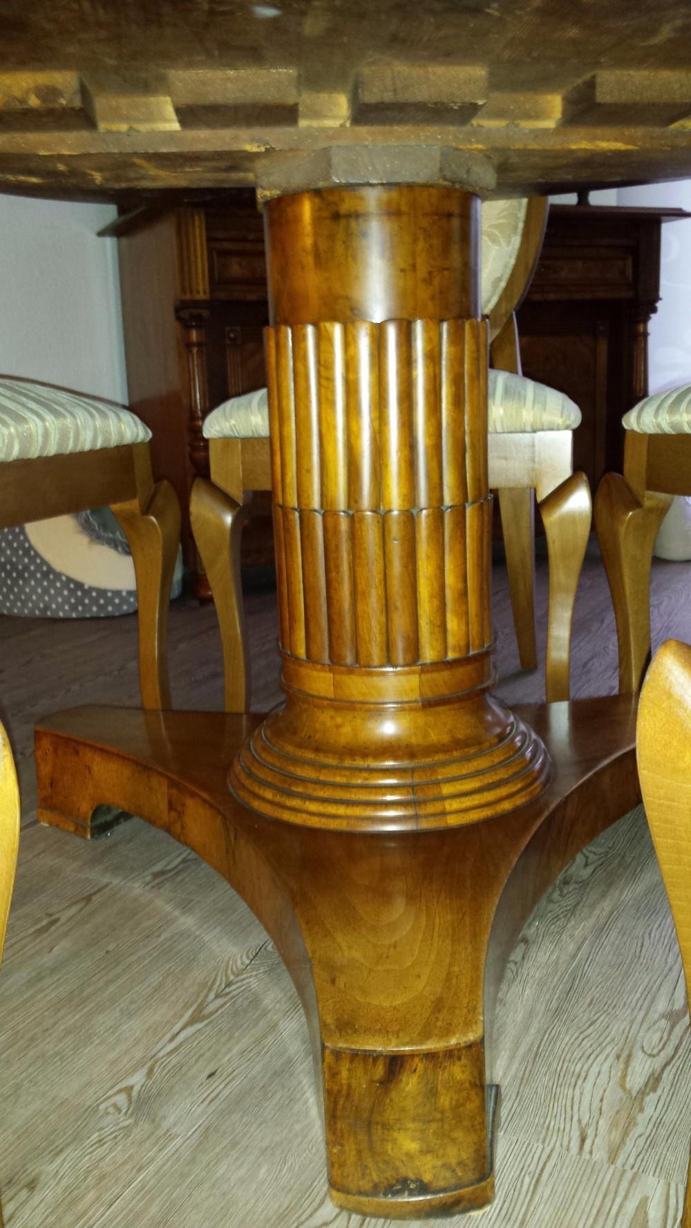 zu verkaufen ist ein biedermeier esstisch mit wurzelholz um 1840 888427