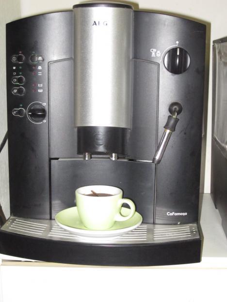 Defekter AEG Kaffeevollautomat zu verkaufen