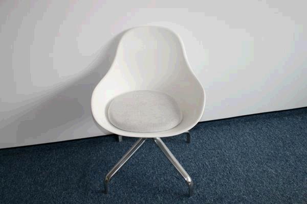 gem tliche wei e sessel 797814. Black Bedroom Furniture Sets. Home Design Ideas
