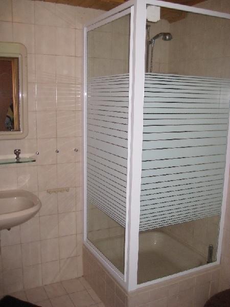 gepflegtes apartment in einfamilienhaus in mainz bischofsheim 389125. Black Bedroom Furniture Sets. Home Design Ideas