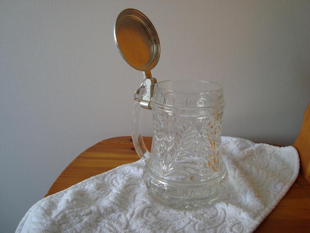 glaskrug mit silbernem deckel gravur dieter auf deckel krug 818471. Black Bedroom Furniture Sets. Home Design Ideas