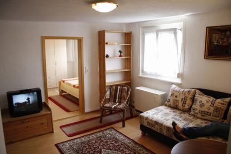 g nstige 2 zimmer wohnung in t bingen 192094. Black Bedroom Furniture Sets. Home Design Ideas