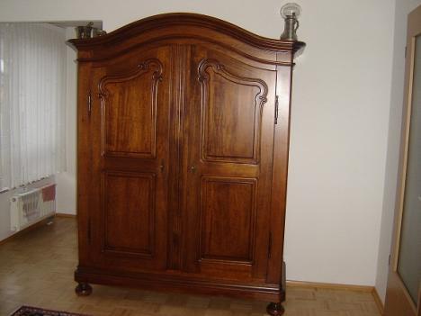 jugendstil schrank sehr sch n 211084. Black Bedroom Furniture Sets. Home Design Ideas