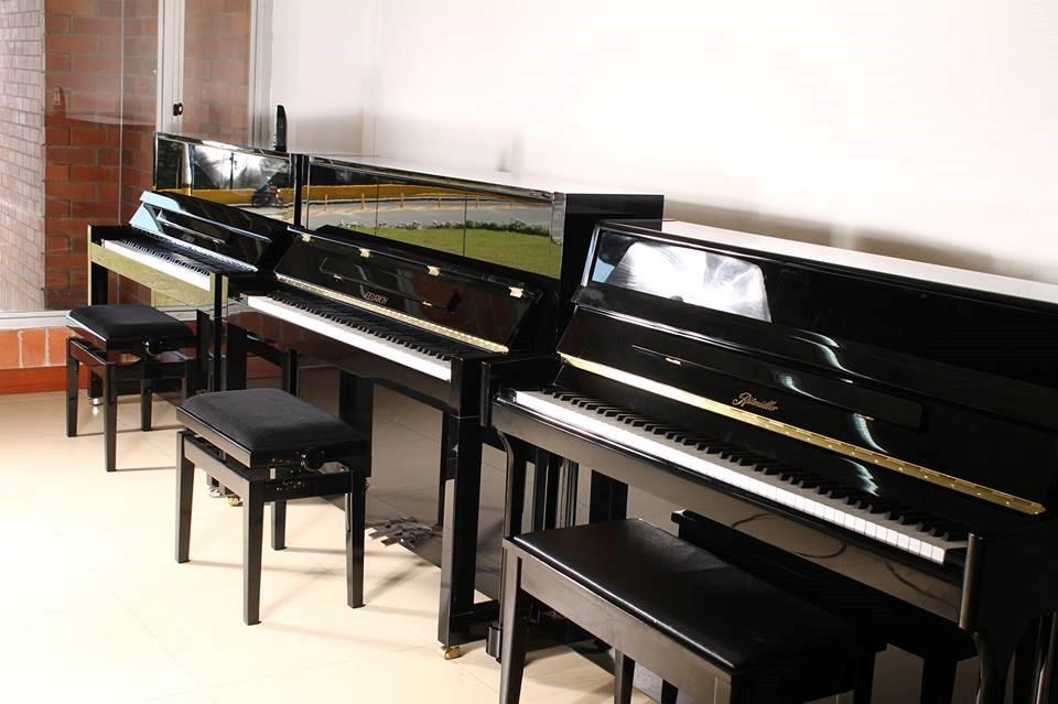 klaviere f r alle jugendmusiksch ler 071 2440794 9949. Black Bedroom Furniture Sets. Home Design Ideas