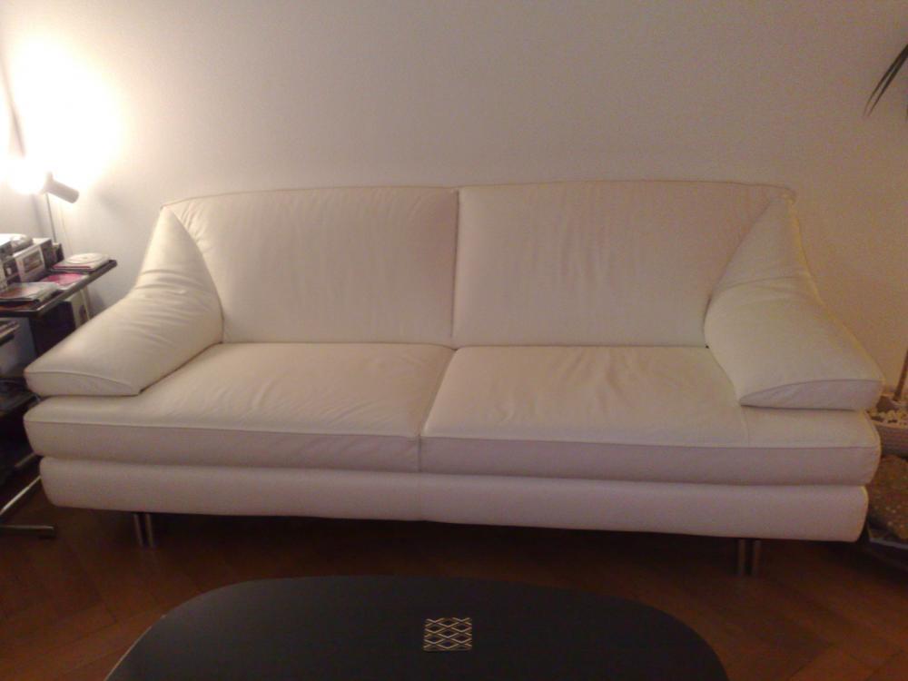 natuzzi ledersofa ist fast neuwertig und in weisser farbe. Black Bedroom Furniture Sets. Home Design Ideas