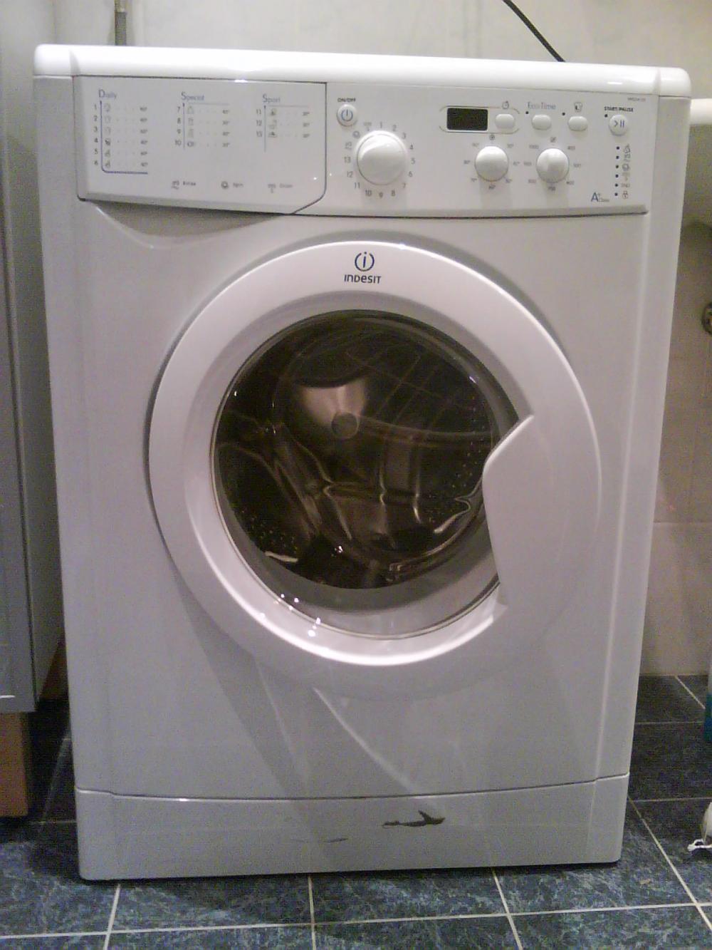 Neuwertige Indesit Waschmaschine Energieeffizienz Klasse A 410653