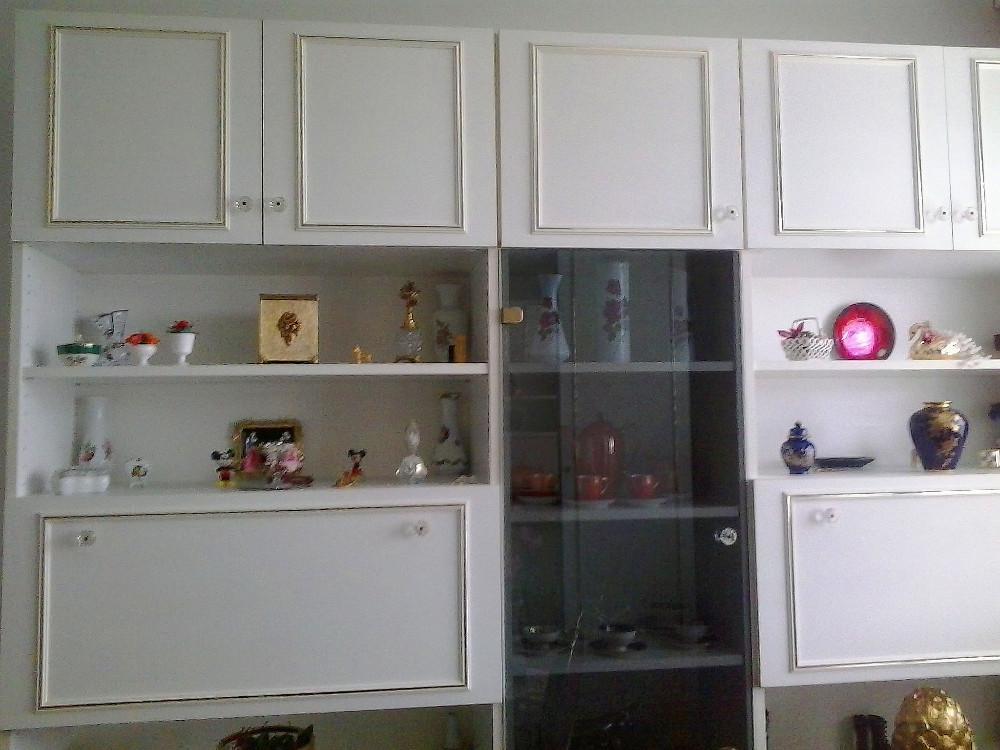 wohnwand mit vitrine beautiful large size of moderne vitrinen ideen wohnwand dekorieren haus. Black Bedroom Furniture Sets. Home Design Ideas