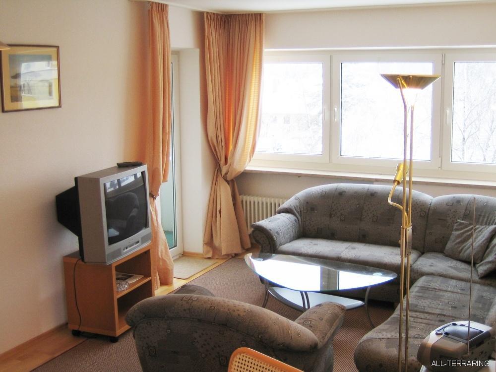 sch ne helle und gut ausgestattete m blierte wohnung n he lerchenauer see 350228. Black Bedroom Furniture Sets. Home Design Ideas