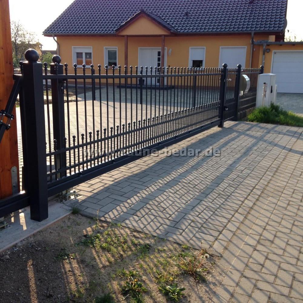 Tor aus Metall Tor mit Füllung elektrisches Tor Zaun aus Polen