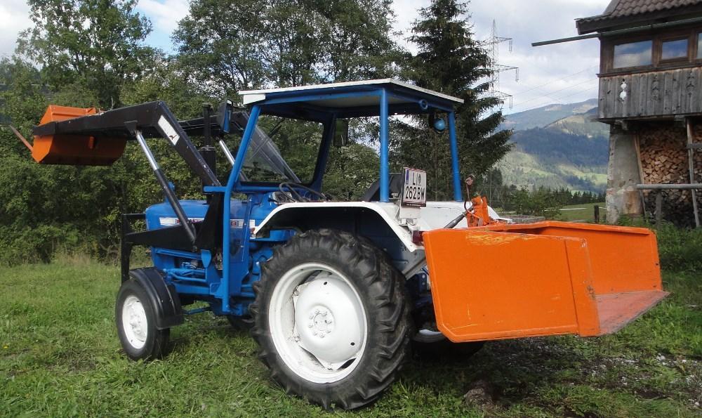 traktor ford dexta 2000 883287. Black Bedroom Furniture Sets. Home Design Ideas