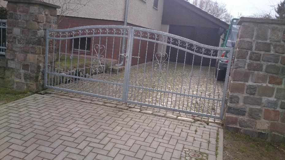 Umzäunungen, Zäune, Tore, Gitter, Geländer, Treppen aus Polen - 883915