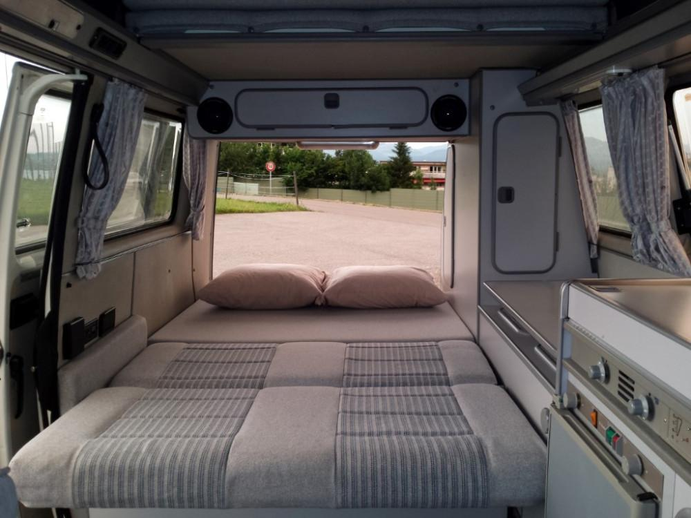 vw bus t3 westfalia camper whitewesty mieten 877412. Black Bedroom Furniture Sets. Home Design Ideas